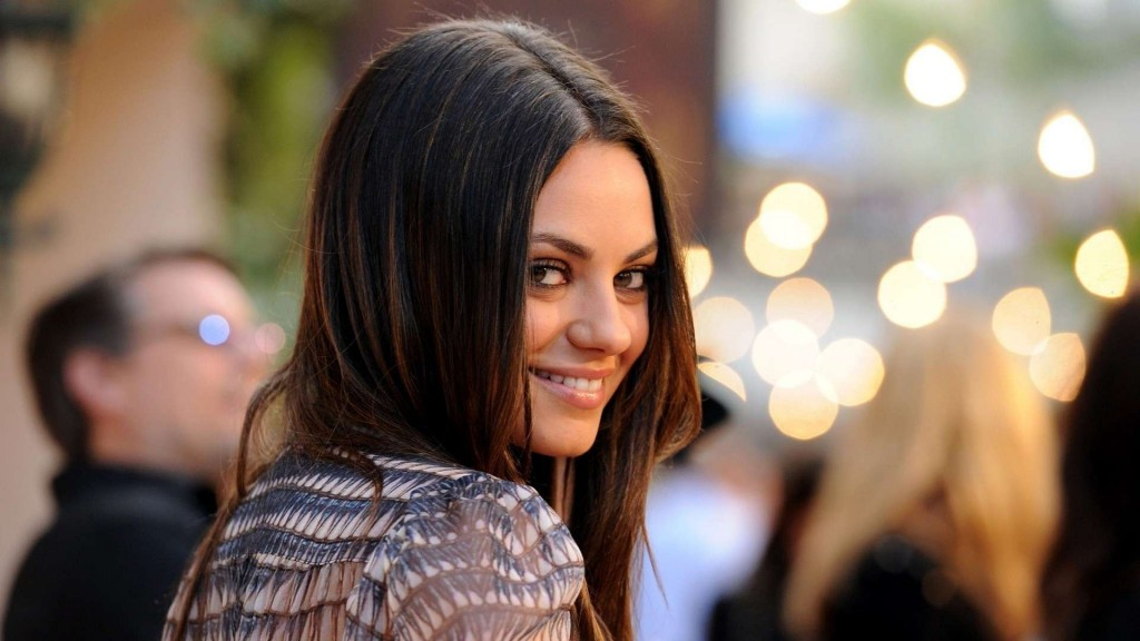 Mila Kunis Bokeh Lights HD Wallpaper