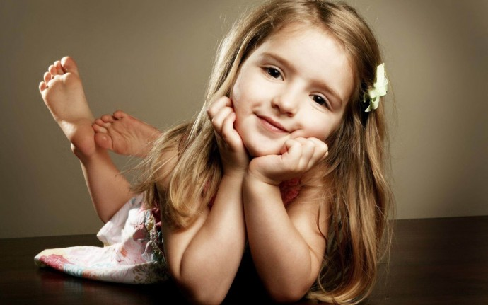 Cute Baby Girl Wallpaper hd