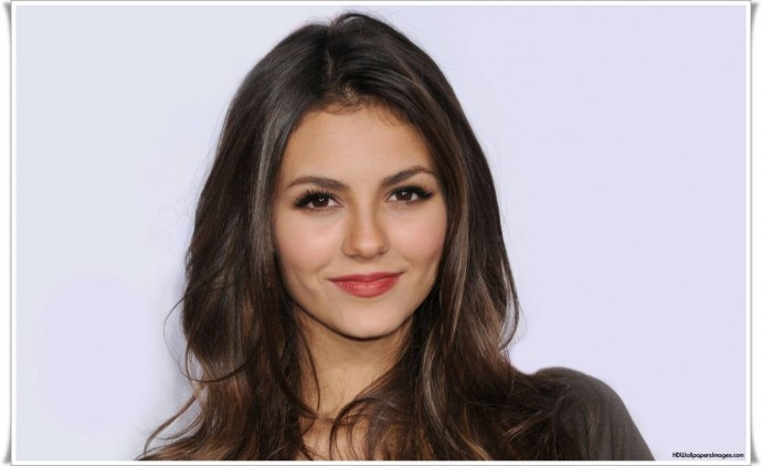 Download Victoria Justice Photos HD