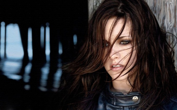 Kristen Stewart Hair HD Pictures