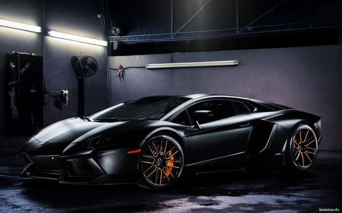 Lamborghini Aventador IP700-4 Wallpaper