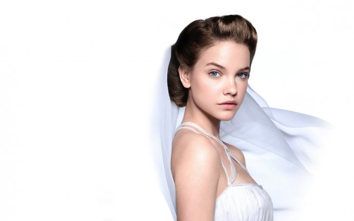 Barbara Palvin White Wallpaper