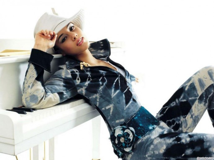 Free Wallpapers Alicia Keys 1024x768