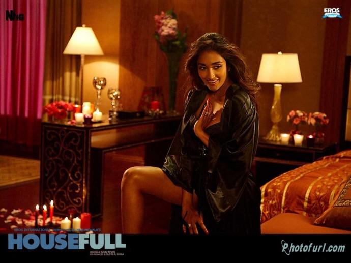 Jiah Khan Hindi Movie Housefull Wallpaper