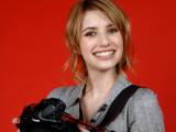 Emma Roberts Background Wallpaper