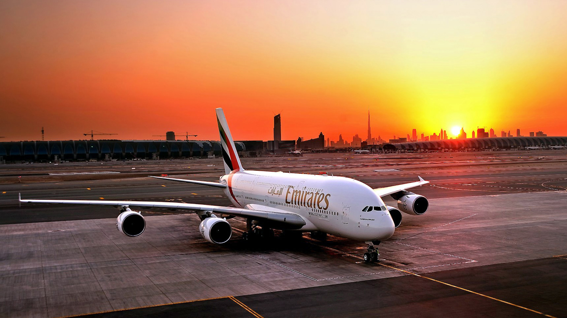 Dubai Airplane Wallpapers Hd Desktop Imagebank Biz
