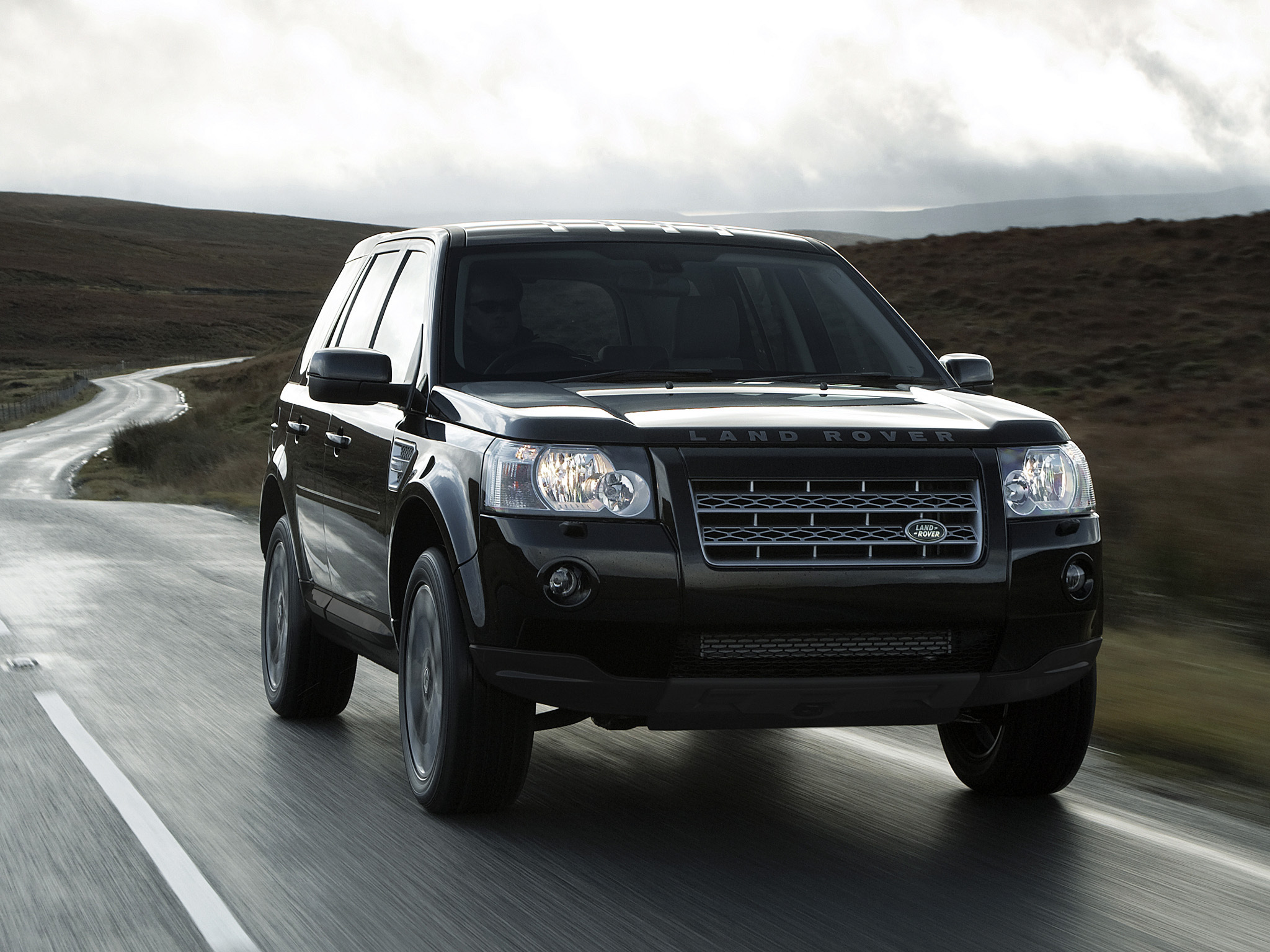nice desktop wallpaper of land rover freelander 2 wallpaper of sport uk spec. Black Bedroom Furniture Sets. Home Design Ideas
