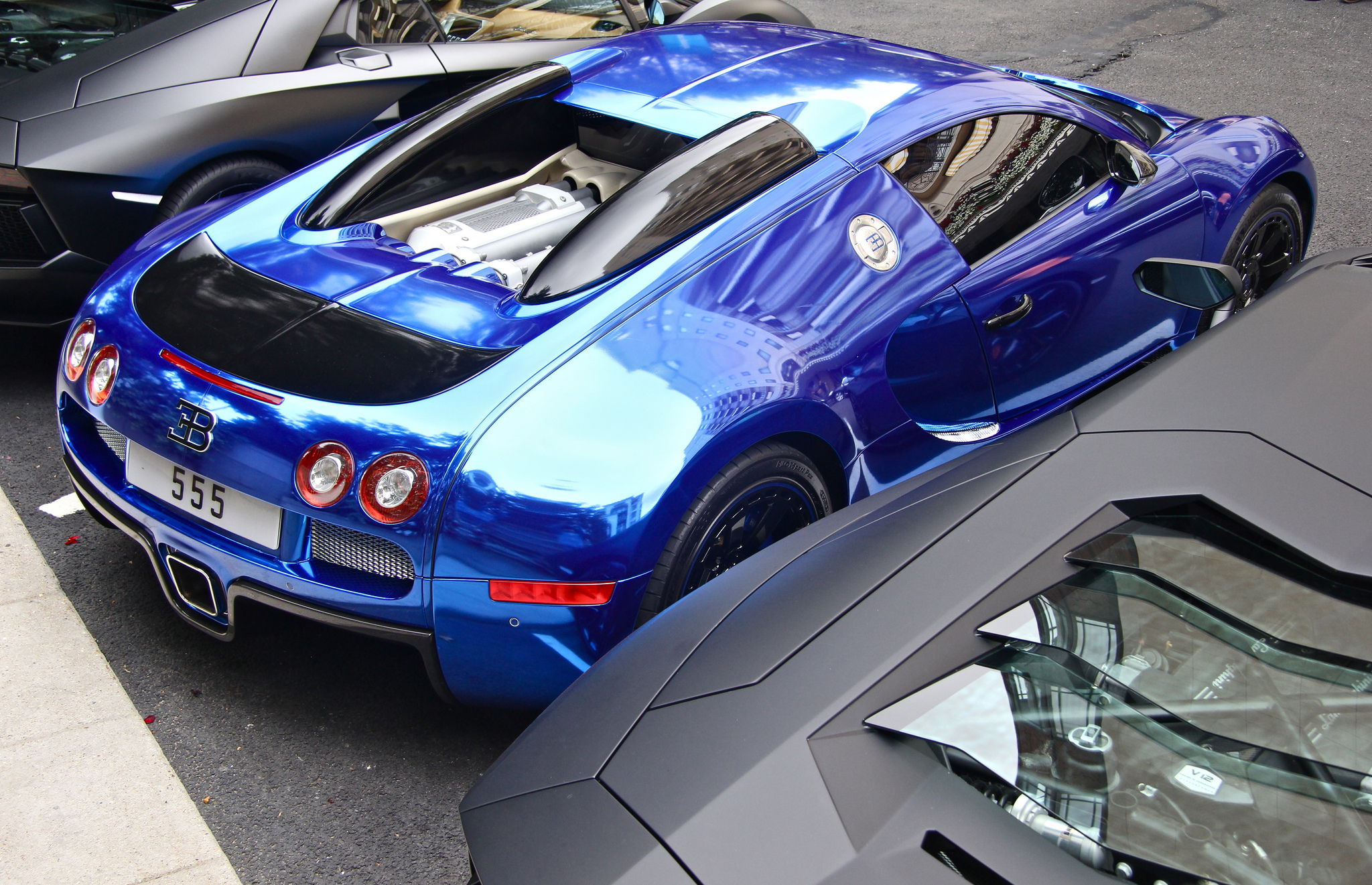 Beautiful desktop wallpaper of Chrome, photo of Blue ... Bugatti 2014 Chrome